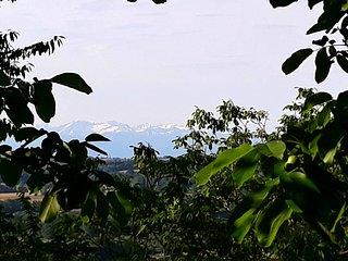 Une vue magnifique sur la campagne, et la chaîne des Pyrénées
