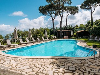 Massa Lubrense Villa Sleeps 25 with Pool and Air Con - 5048927