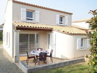 3 bedroom Villa in Vaux-sur-Mer, Nouvelle-Aquitaine, France : ref 5046817