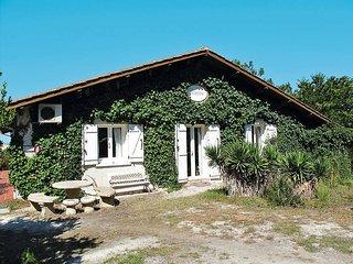 4 bedroom Villa in Lacanau-Océan, Nouvelle-Aquitaine, France : ref 5434890