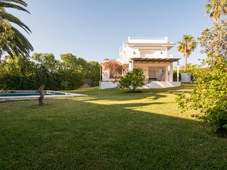 Traditional Spanish Villa -with pool and large garden