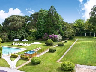 Soustons Chateau Sleeps 18 with Pool - 5049685