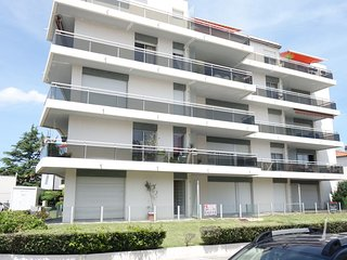 2 bedroom Apartment in Royan, Nouvelle-Aquitaine, France : ref 5555408