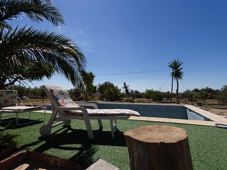 FAMILY PRIVATE HOUSE WITH SWIMING-POOL, BBQ AND WIFI_SERRAMOCA II