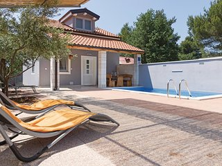 2 bedroom Villa in Peroj, Istria, Croatia : ref 5576684