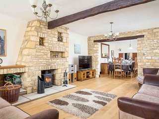 Grey Gables Barn is a converted Cotswold stone barn in Bourton-on-the-Water