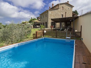 5 bedroom Villa in Civitella in Val di Chiana, Tuscany, Italy : ref 5558149