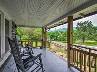 NEW! Hot Springs Cabin w/Hot Tub, Fire Pit & Porch