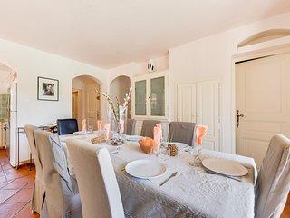 Ramatuelle Villa Sleeps 14 with Pool and Air Con - 5426614