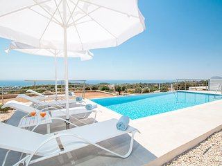 Rhodes Town Villa Sleeps 8 with Pool and Air Con - 5635686