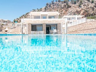 4 bedroom Villa in Afántou, South Aegean, Greece : ref 5635686