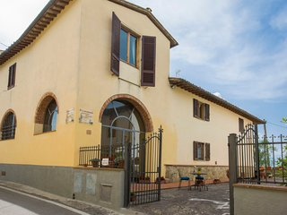3 bedroom Villa in Florence, Tuscany, Italy : ref 5055478