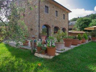 5 bedroom Villa in Civitella in Val di Chiana, Tuscany, Italy : ref 5060418