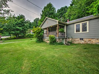 NEW! 'Trailside Cottage' in Hot Springs w/Hot Tub!