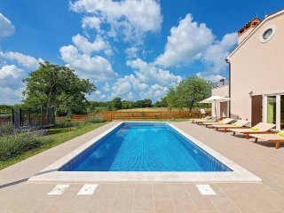 3 bedroom Villa with Pool, Air Con and WiFi - 5426464