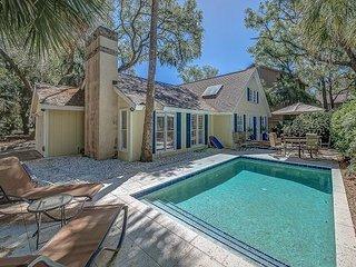Beautiful 4th Row Beach Cottage. Private Pool. Free Bikes. 3 Nighthawk