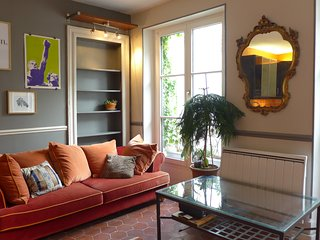 CONFORTABLE AND BRIGHT 50 M2 APPARTMENT IN THE CENTER 0F PARIS