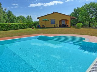 3 bedroom Villa in Collelungo, Tuscany, Italy : ref 5605870