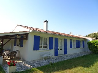 2 bedroom Apartment in L'Ile d'Oleron, Nouvelle-Aquitaine, France : ref 5560868