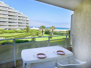 2 bedroom Apartment in Canet-Plage, Occitania, France : ref 5514044