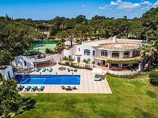 8 bedroom Villa in Quinta do Lago, Faro, Portugal : ref 5585372