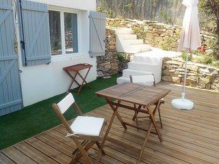 Joli studio avec jardin, a 3km des plages