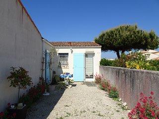 2 bedroom Villa in Dolus-d'Oléron, Nouvelle-Aquitaine, France : ref 5514870