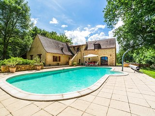 5 bedroom Villa in Soulalève, Nouvelle-Aquitaine, France : ref 5049672