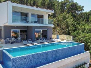 3 bedroom Villa in Prigradica, Croatia - 5607192