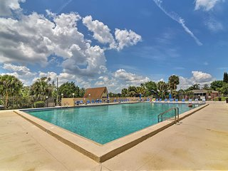 NEW! Clermont Condo by Lake Louisa- Mins to Disney