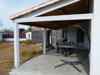 Charmante maison renovee avec gout, en 3 chambres avec wifi, a 2,5 km de la plag