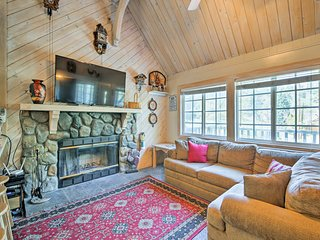 Cozy Home w/View, Walk to Bear Mountain Ski Resort