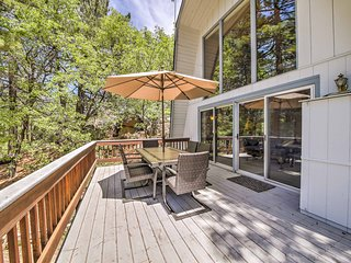 Spacious Mountain Home - 15 Min to Lake Arrowhead!