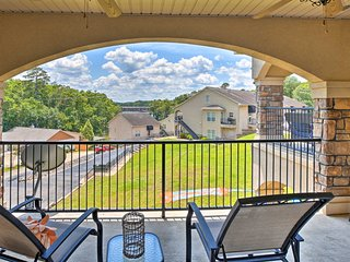 Cozy Hot Springs Condo w/ Pool Access & 2 Patios!