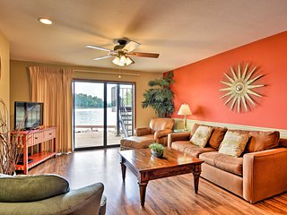 NEW! Airy Hot Springs Condo w/Lake Hamilton Views!