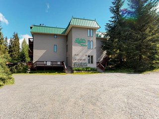 NEW LISTING! Condo w/amazing location near skiing, hiking, biking & town