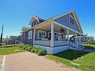 Beautiful Oak Bluffs Home with Wonderful Waterviews