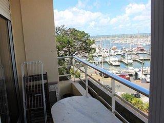 APPARTEMENT T2, avec balcon face au port