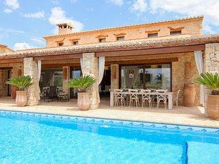Amplia villa con piscina privada Ref.247232