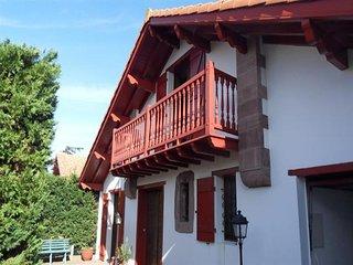 Villa basque Biarritz-St Martin pour 6/7 pers. classee 3 etoiles, wifi gratuit.