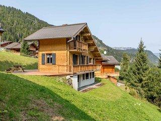 Chalet cosy, proche pistes de ski et remontées, wifi