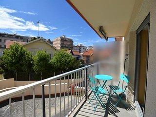 Studio avec balcon, coeur de ville, au calme