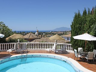 1136 LUXURY VILLA STUNNING PANORAMA VIEW HEATED POOL BBQ
