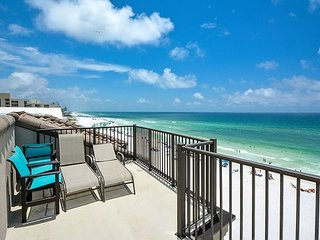 Stunning 4BR Beach Front Home ~ Netflix & WiFi Included ~ Great Fall Rates!