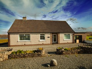 Peaceful family getaway with stunning views near Stornoway