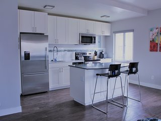 Beautiful 1 Bdrm, Next to Swedish, Harborview, Virginia, and Convention Center