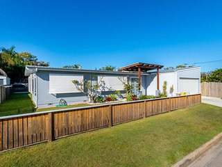 Fabulous family destination House in Paradise Street, Bongaree