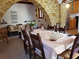 Liria Traditional home
