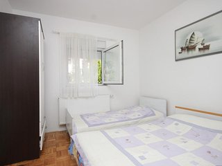 One bedroom apartment Preko (Ugljan) (A-8267-b)