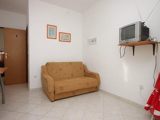One bedroom apartment Preko, Ugljan (A-8267-e)
